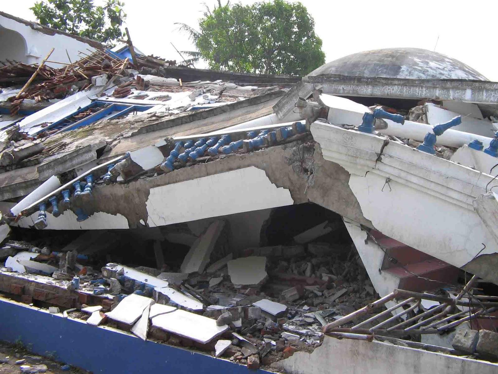 Contoh Laporan Gempa Bumi Sportschuhe Herren Web Store