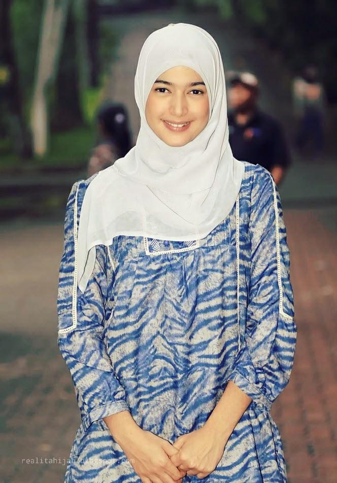 Gaya Hijab Artis Ala Nabila Syakieb Hijaber