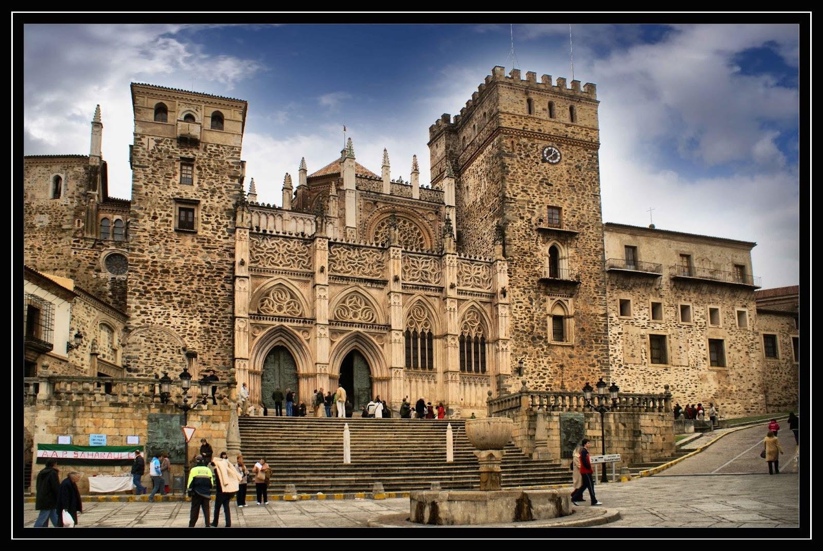 Gabinete de las artes arquitectura monacal el monasterio for Cual es el significado de arquitectura