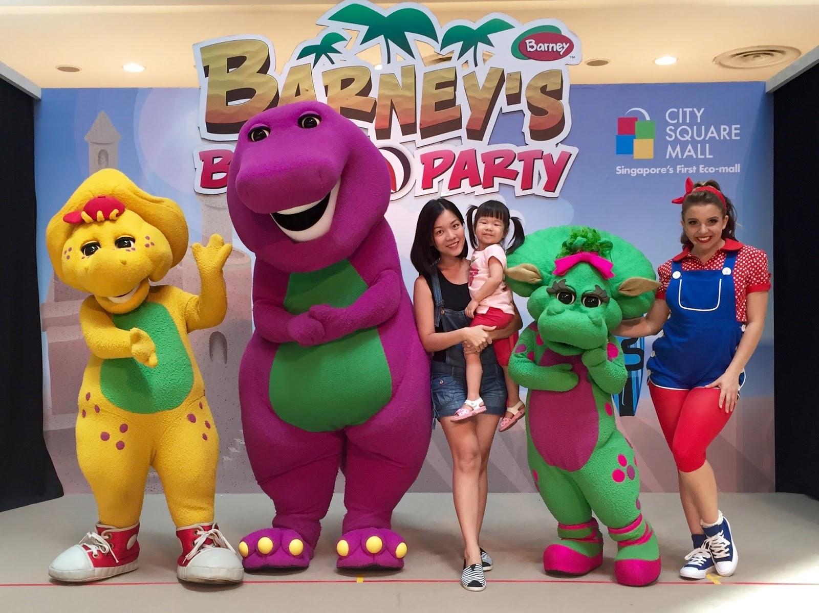 Ashlyn Thia: Barney's Beach Party 'Live' On Stage @ City