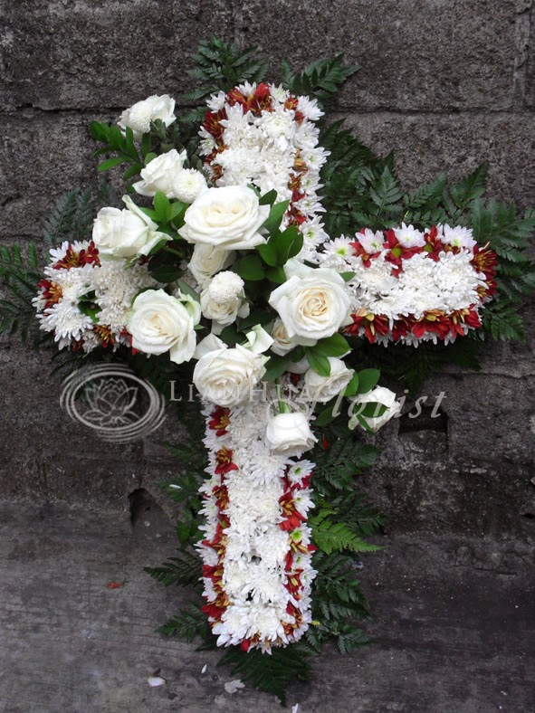 dekorasi bunga salib untuk tutup peti
