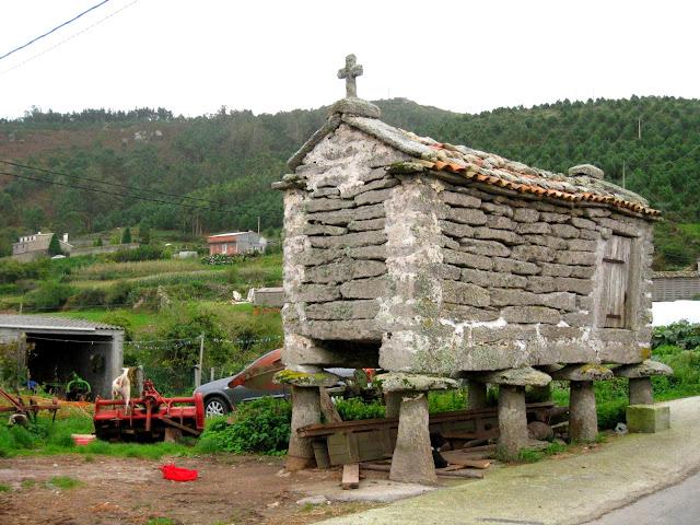 Galisyjskie spichlerze