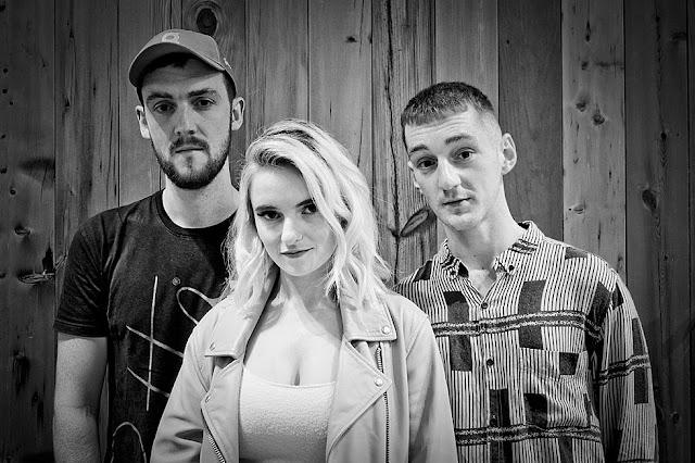 Clean Bandit fala sobre novo álbum e colaborações