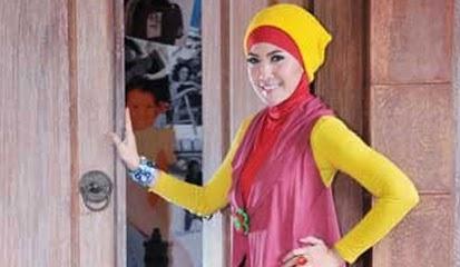 Model Jilbab Artis Cantik Indonesia Terbaru 2015