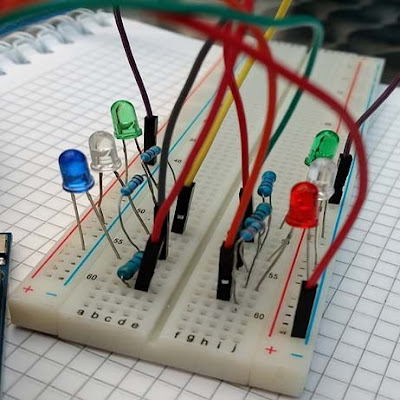 The Five essential things every electrical engineering student should have. Breadboard