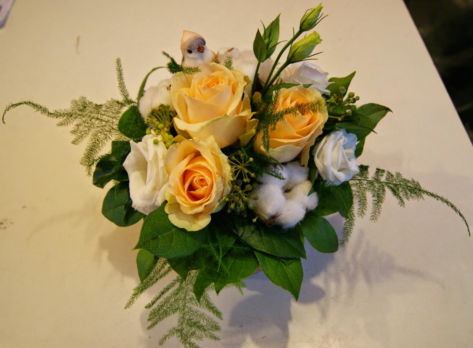des magnolias sur ma voie lact e compositions florales de la semaine. Black Bedroom Furniture Sets. Home Design Ideas