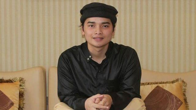Lagi!! Putra Arifin Ilham Jadi Kontroversi Karena Unggah Foto Sajadah