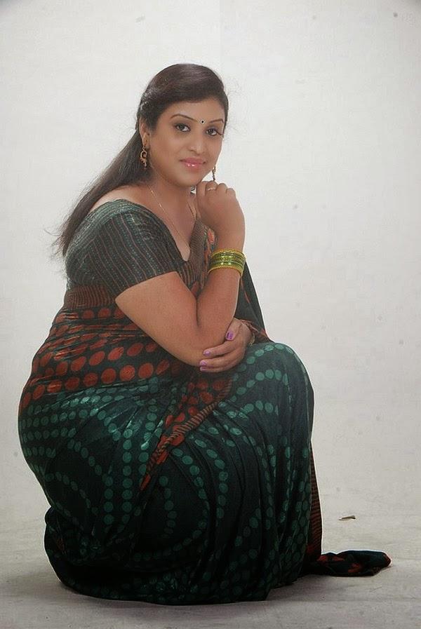 Uma Aunty Telugu Tv Serial Actress  Tamil Celebrity Hot News-5778