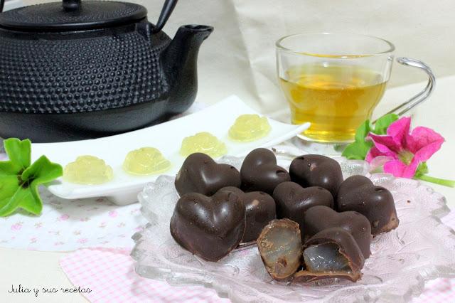 Bombones de chocolate negro y té verde. Julia y sus recetas