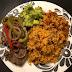 La comida del mediodía: Moro, bistec y ensalada de aguacate