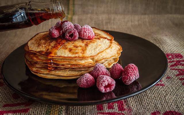 pancakes sau clatite americane cu fulgi de ovaz si banane