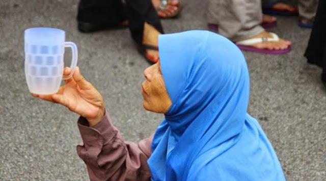Modal Hijab, Pengemis Ini Raup Untung Rp 33 Juta Perbulan. Mau?