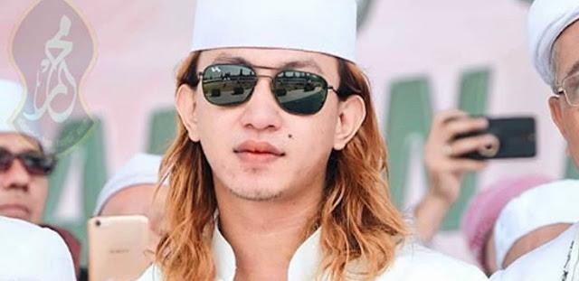 Ngamuk di Bandara, Habib Bahar Dijuluki The Next Habib Rizieq