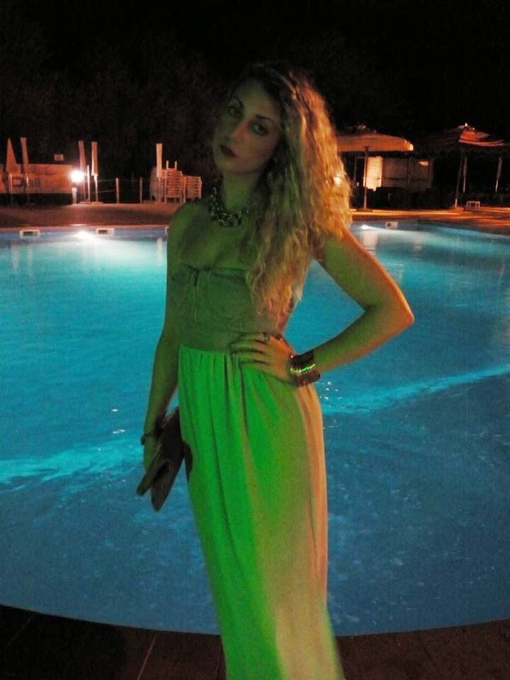 It 39 s so glamour by alessia sturaro for Party in piscina