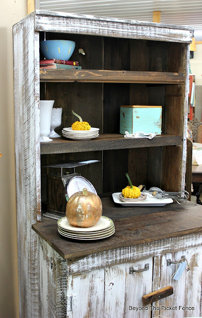 hutch, rustic, barnwood, DIY, farmhouse, kitchen, ironstone, http://goo.gl/EQu844