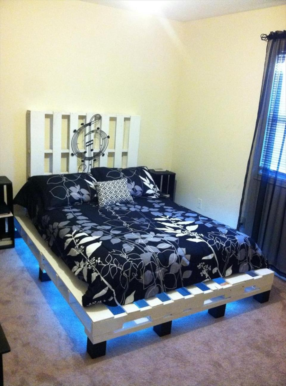 d corer votre chambre avec des lits et meubles de. Black Bedroom Furniture Sets. Home Design Ideas