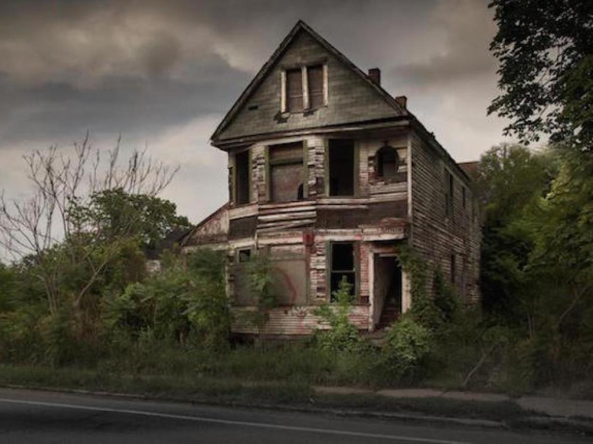 Kisah misteri mahasiswa KKN di rumah tua