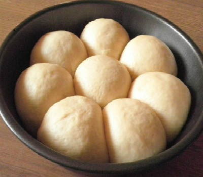 Yeast Bun @ http://treatntrick.blogspot.com