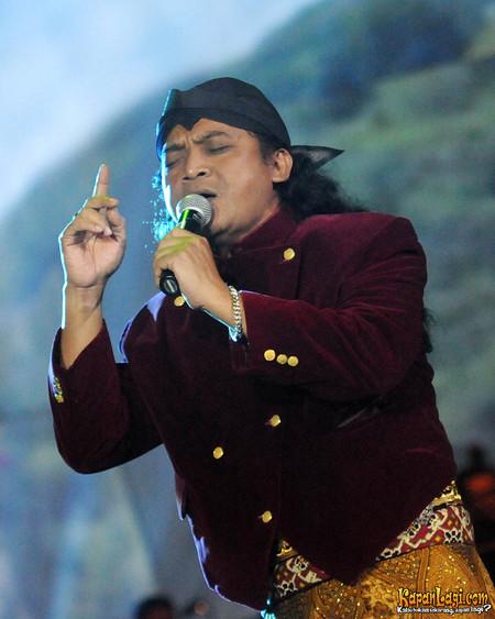 Tanjung Mas Ninggal Janji Lirik : tanjung, ninggal, janji, lirik, Lirik, Tanjung, Ninggal, Janji, Kempot