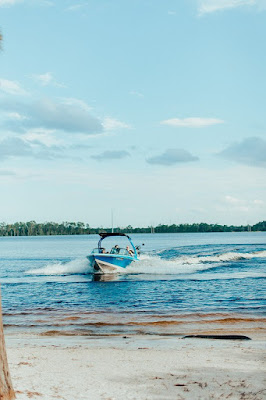 groomsmen entrance on speedboat