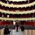 Το Δημοτικό Θέατρο (του παραλόγου) στον Πειραιά :  «Ο Ηλίθιος», οι απλήρωτοι και η παρέα «κουλτουριάρηδων»!