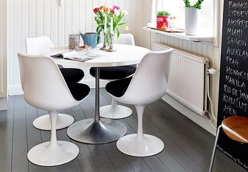 Find The Best Dining Table and Chairs for Small Spaces