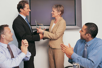 7 Effective Tips to Welcome A New Employee on Board