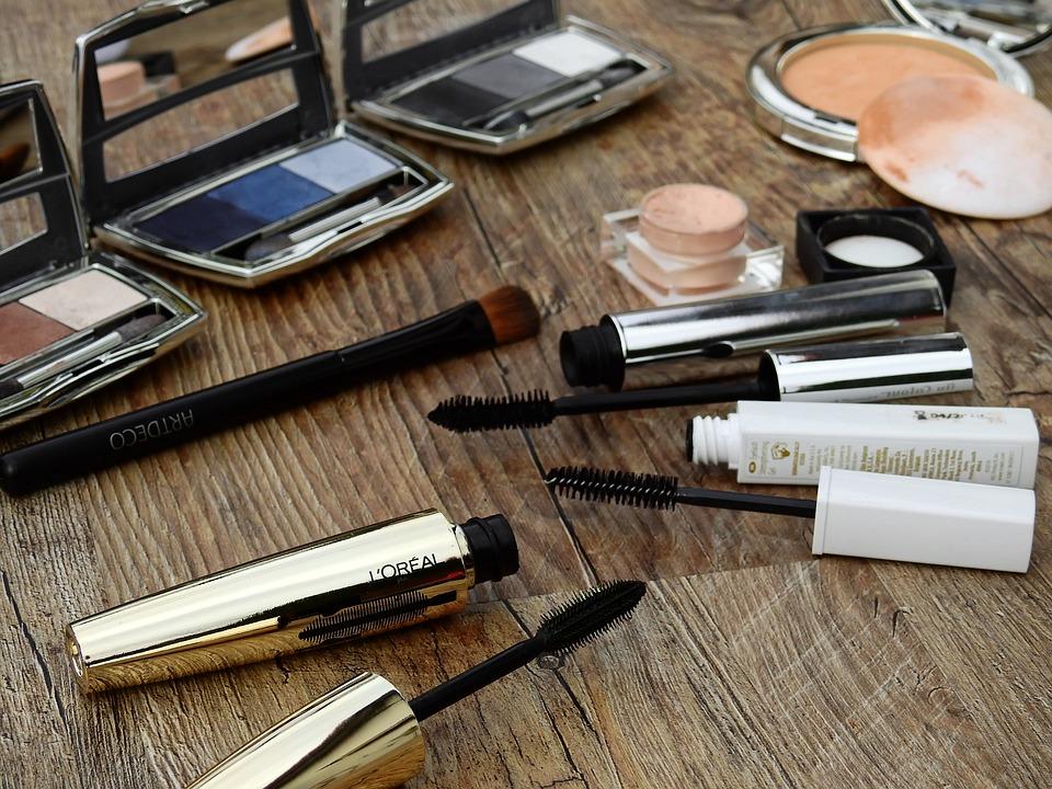Tajemnicze symbole na opakowaniach kosmetyków. Od dziś to już nie problem w ich odczytaniu.