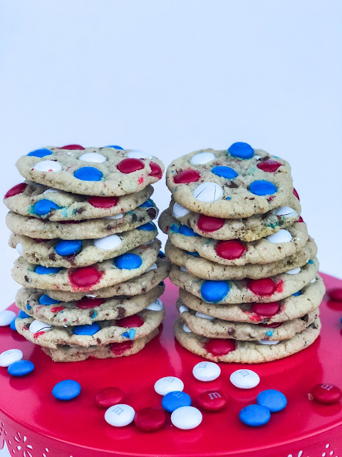 The BEST M&M cookie recipe. Red, white and blue M&M cookies. Modify this cookie recipe for any holiday.