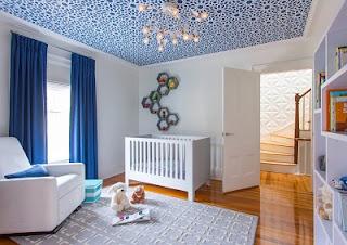 cuarto decorado con azul