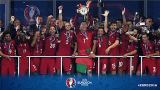 حفل تتويج منتخب البرتغال ببطولة يورو 2016