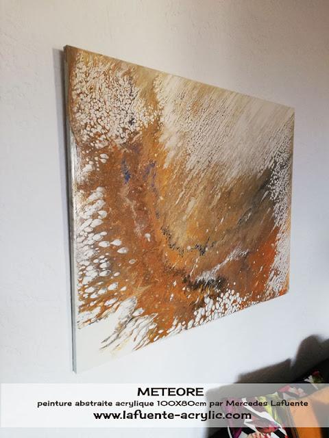 Météore, tableau dans le style fluid art à dominante ocre jaune. par Lafuente Acrylic