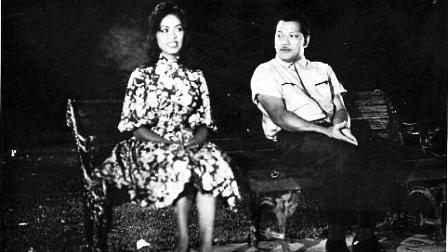 STOP10: P Ramlee plays his role in 'Seniman Bujang Lapok ...