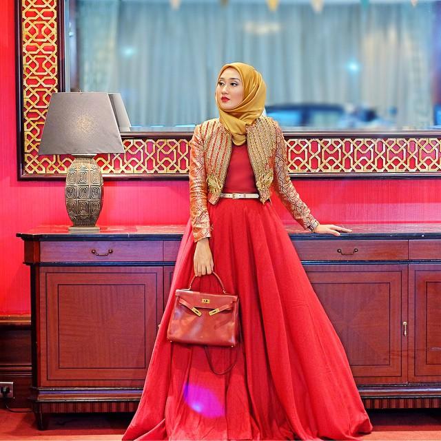 Model Baju Batik Modern Dian Pelangi