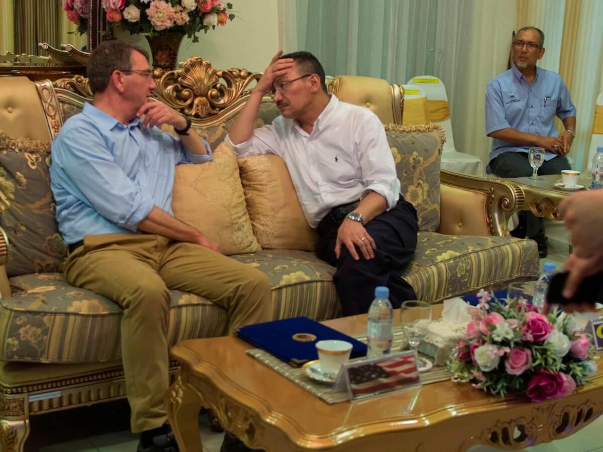 Hishamuddin Bongkar Penghinat UMNO BN PRU14