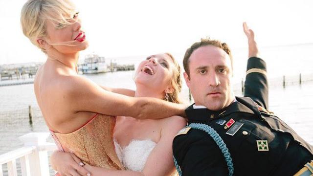"""Taylor Swift sorprende a un fanático durante su boda y canta """"Blank Space"""" (FOTOS + VIDEOS)"""