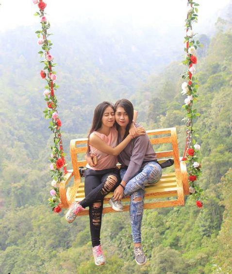 Ayunan cinta Taman Wisata Genilangit Poncol Magetan
