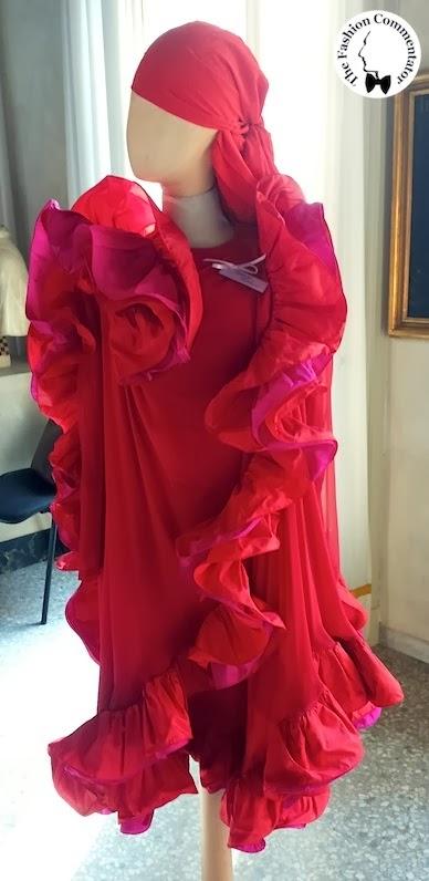 Valentina Cortese - Mostra Milano - Roberto Capucci red dress