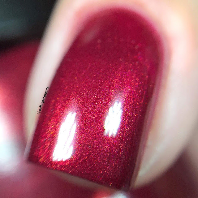 opi sending you holiday hugs swatch