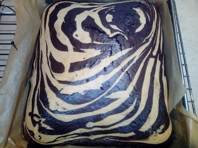 ciasto marmurkowe zebra wilgotne ciasto ciasto na oleju ciasto ucierane ciasto czarno biale ciasto dwukolorowe ciasto waniliowo czekoladowe ciasto z polewa ciasto z czekolada