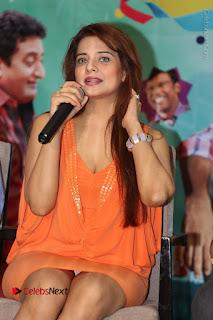 Actress Saloni Aswani Pos in Short Dress at Meelo Evaru Koteeswarudu Movie Interview  0132.JPG