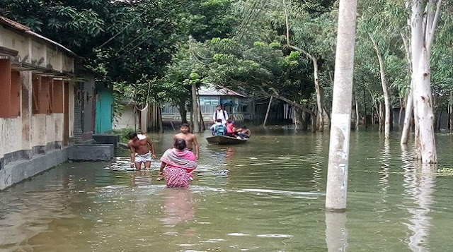 In-Sirajganj-the-flood-control-dam-broke-and-35-villages-flooded