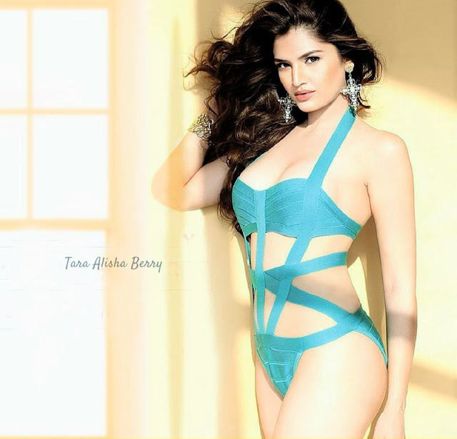 Top Tara Alisha Berry Hot Looks
