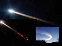 Jejak Meteorit Aneh Hiasi Langit Timur Rusia