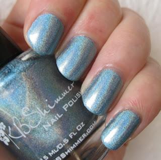 http://lacknroll-nails.blogspot.com/2016/07/blauliche-linien.html