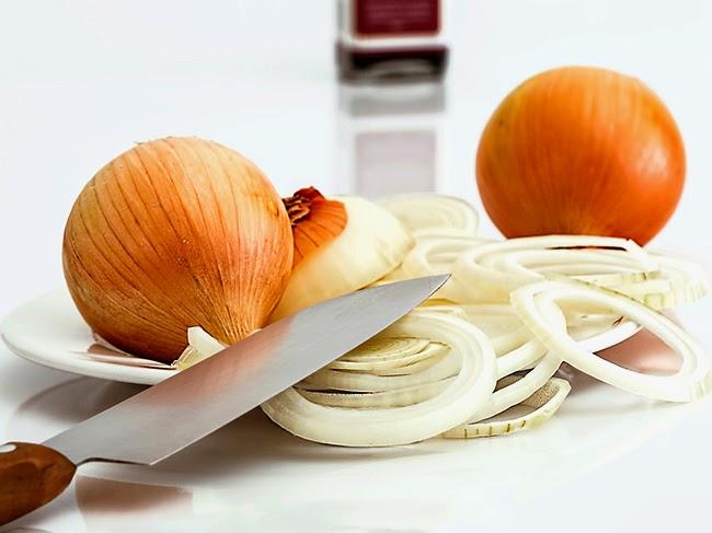 Cortar cebollas y evitar el lagrimeo