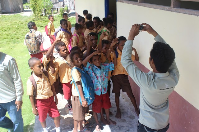 Melihat Lebih Dekat Segelintir Potret Pendidikan di Papua