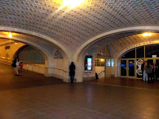 Whispering wall on Grand Central, New York