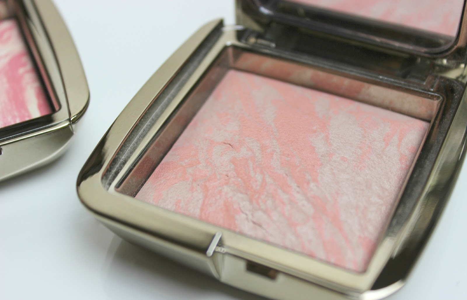 A picture of Hourglass Ambient Lighting Blush in Dim Infusion