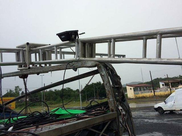 """Chuva Forte causa estragos e cancelamento do """"Verão Quente """"  em Juquiá"""